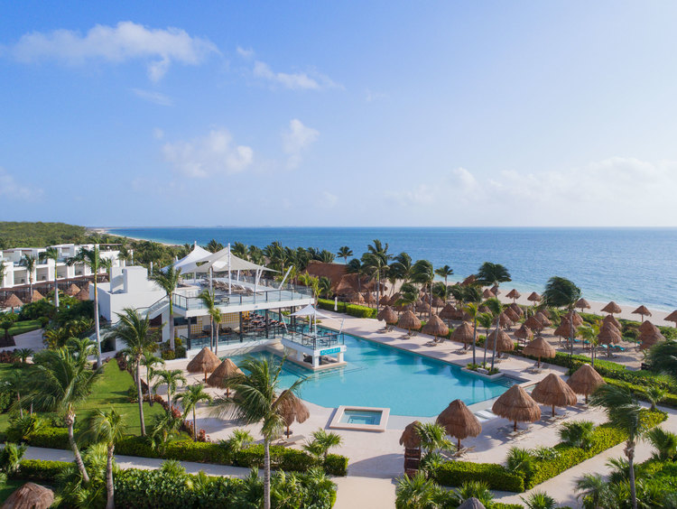 Enjoy the Best Caribbean Vacations at the Best Cancun Resort